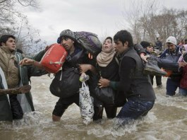 Vadim Ghirda Migrant Crossing World Press Photo Contest