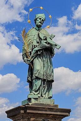 Statuia Sf Ioan Nepoumuk pe Podul Carol