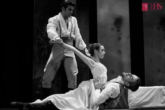 "Imagine din spectacolul ""Anna Karenina"""