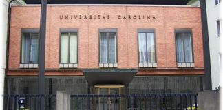 universitatea carolina praga