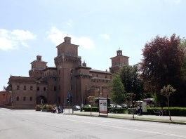 Ani Bradea Ferrara, Castello Estense