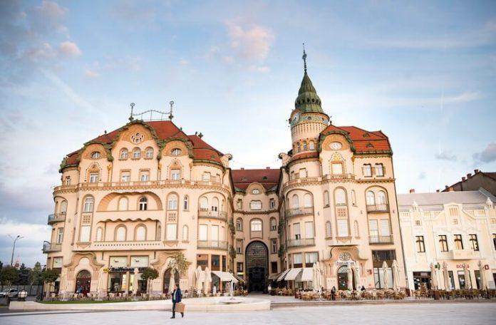 Palatul Vulturul Negru din Oradea Foto Oradea City Hall
