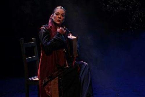 """Deborah Lamy în spectacolul """"Omul care l-a omorât pe Don Quijote"""""""