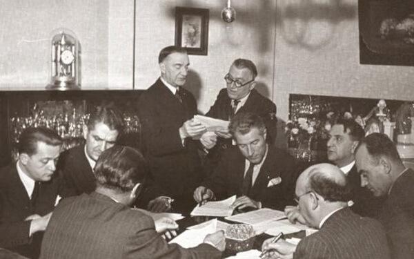 Iuliu Maniu, alături de colegi din PNŢ. Foto: Arhiva Cristian Borz