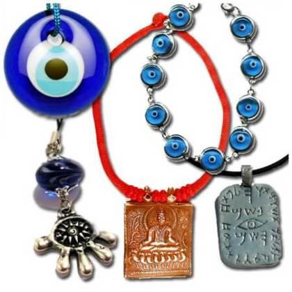 Ornamente cu simbolul mărgelei albastre și ochiul lui Horus