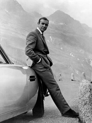 "Sean Connery în ""James Bond Goldfinger"", regia Guy Hamilton, 1964"
