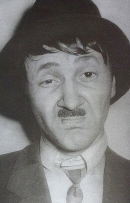 În rolul lui Arturo Ui