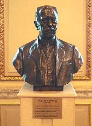 Bustul lui Nicolae Filipescu expus în Palatul Cercului Militar Naţional. Sculptor: Oscar Späthe, 1932