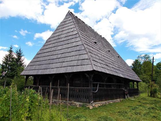 """Casa memorială """"Ilie Lazăr"""" din satul Giulești, jud. Maramureș"""