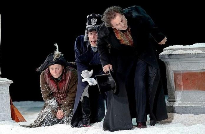 "Imagine din spectacolul ""Mascarada"", Teatrul Vahtangov"