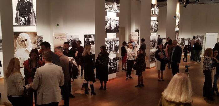 """Vernisajul expoziției de fotografie """"Regina Soldat"""" la BOZAR – Palatul Artelor Frumoase din Bruxelles, octombrie 2018"""