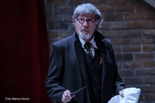 Ion Caramitru în rolul lui Shylock