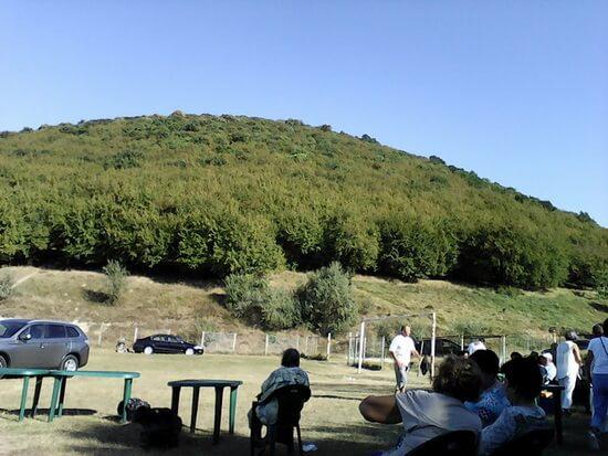 Muntele unde se află sfântul mormânt al lui Sarı Saltuk. Fotogtafie din arhiva personală Urfet Șachir