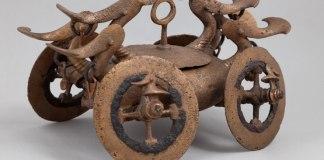 Carul votiv miniatural de la Bujoru. Fotografie de Marius Amarie © MNIR. Sursa: ICR