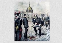 """Degradarea lui Alfred Dreyfus, la 5 ianuarie 1895. Desen de Henri Meyer pe coperta """"Le Petit Journal"""" din 13 ianuarie 1895, cu descrierea """"Trădătorul""""."""
