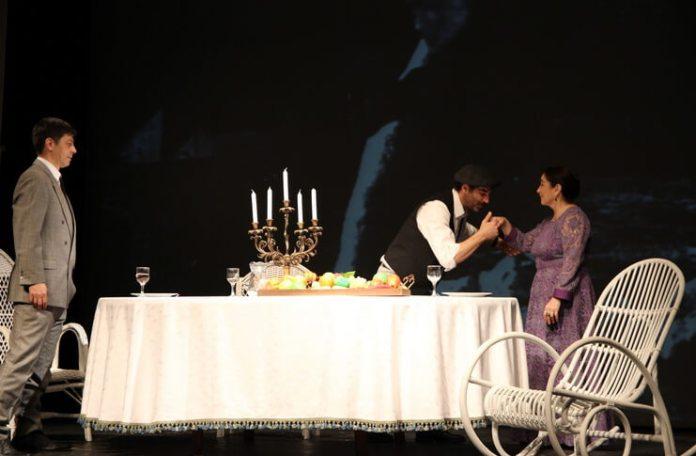 "Sursa foto: Teatrul ""Tony Bulandra"" din Târgoviște"