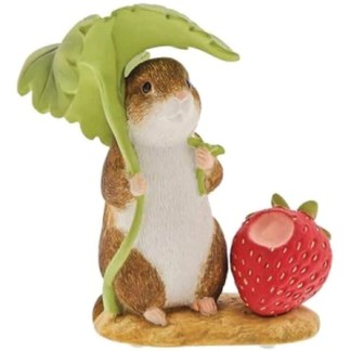 Timmy Willie in the Country Mini Figurine   LeVida Toys