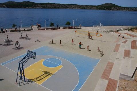 Sibenik - 2 | Basket on the beach