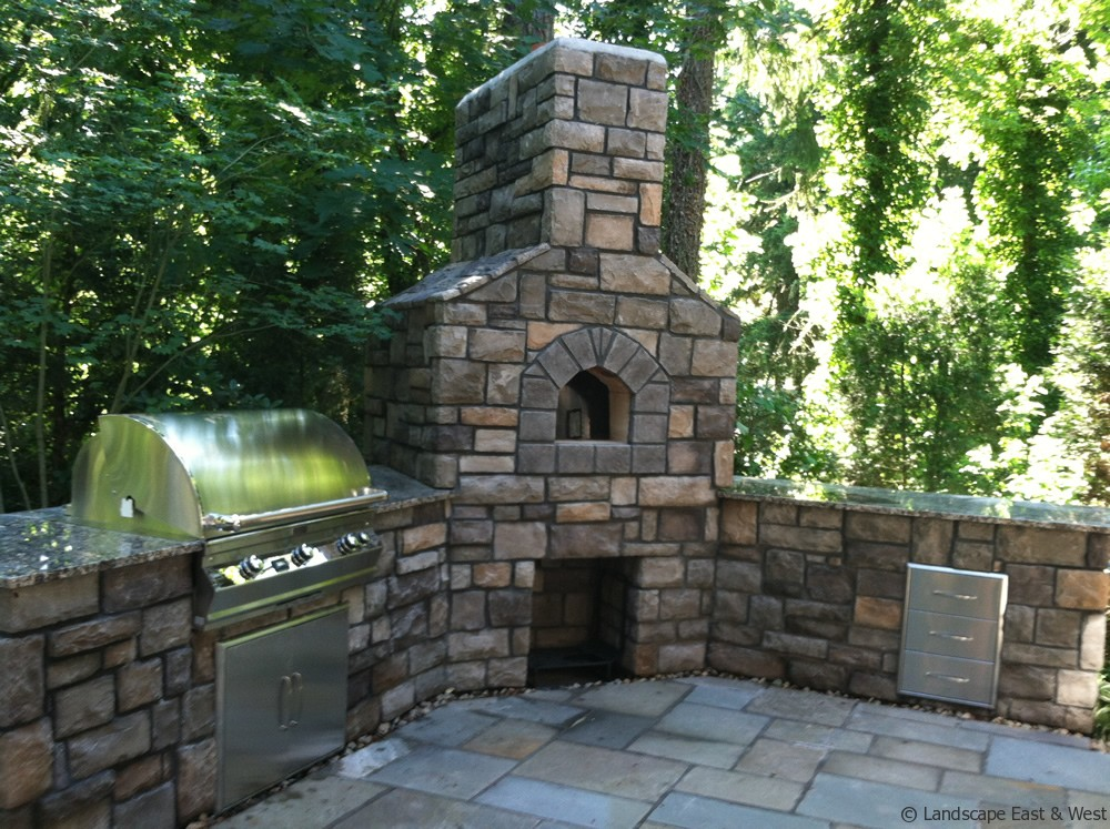 Outdoor Kitchen Designs for Portland, Oregon Landscaping on Outdoor Kitchen And Fireplace Ideas id=63054
