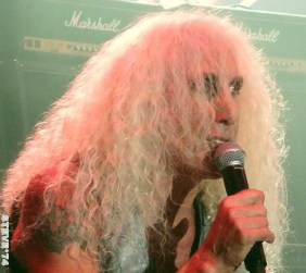 TWISTED SISTER 13