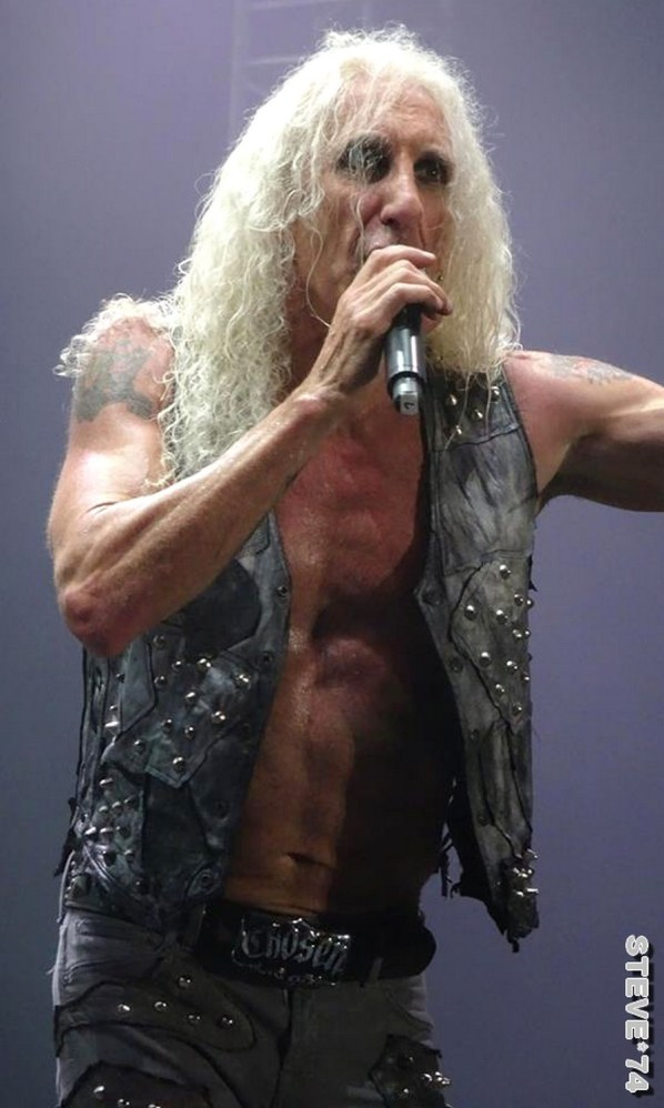 TWISTED SISTER 8