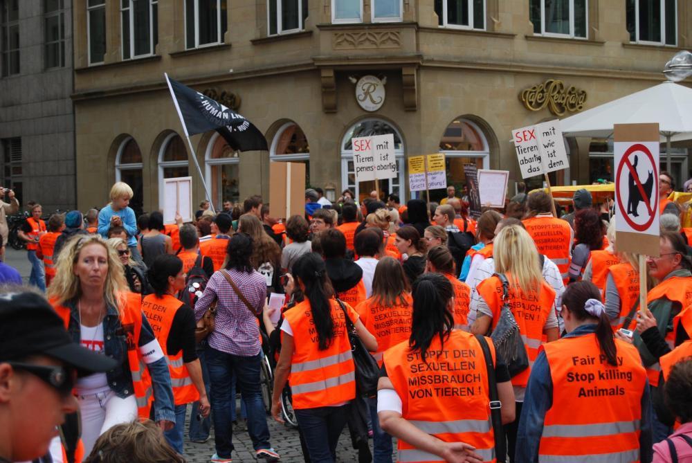 2. Marschdemo und Kundgebung