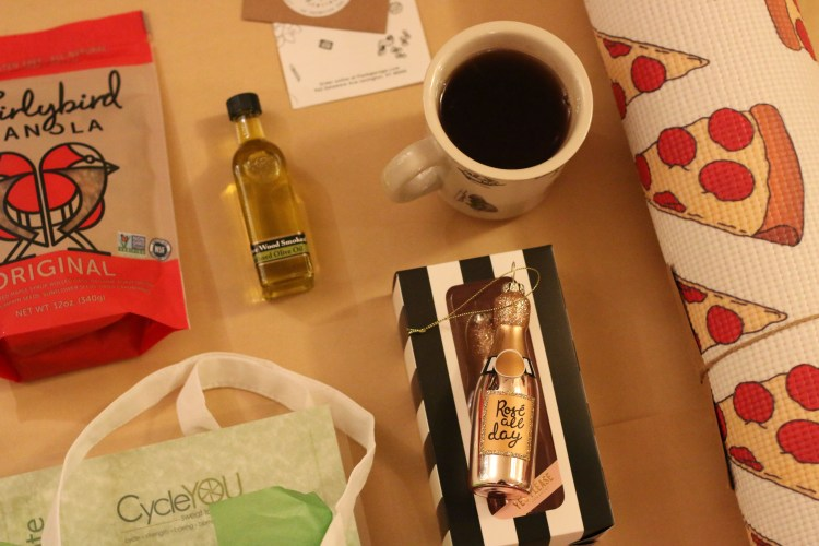 Local Foodie Gift Guide Giveaway on lexeats.com