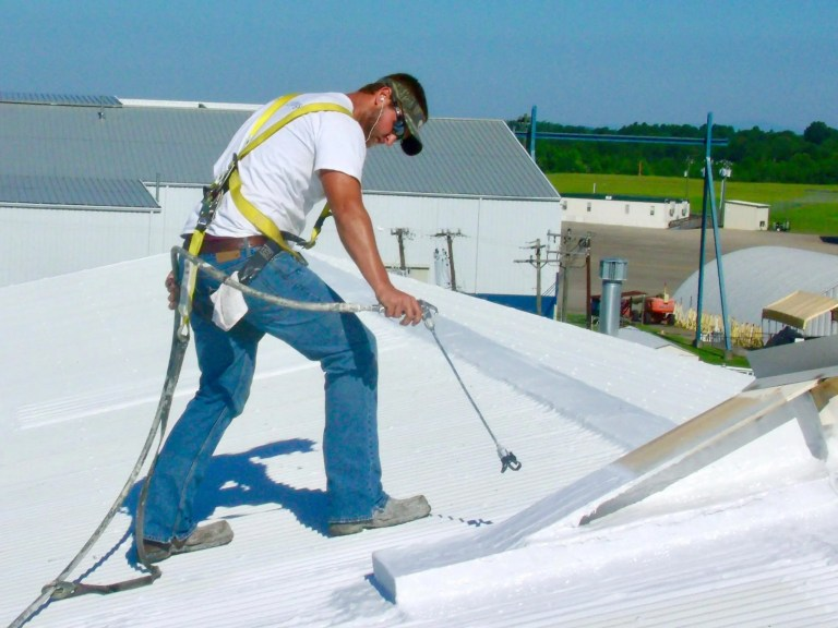 Roof Coating Application with Airless Sprayer