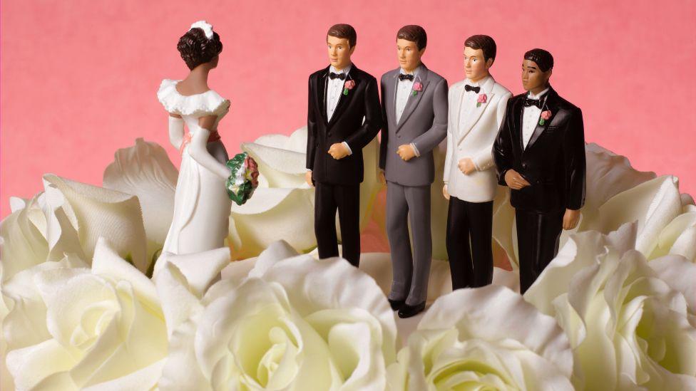 Propozimi I Martesës Së Një Gruaje Me Shumë Burra (Poliandria) Përballet Me Protesta Në Afrikën E Jugut