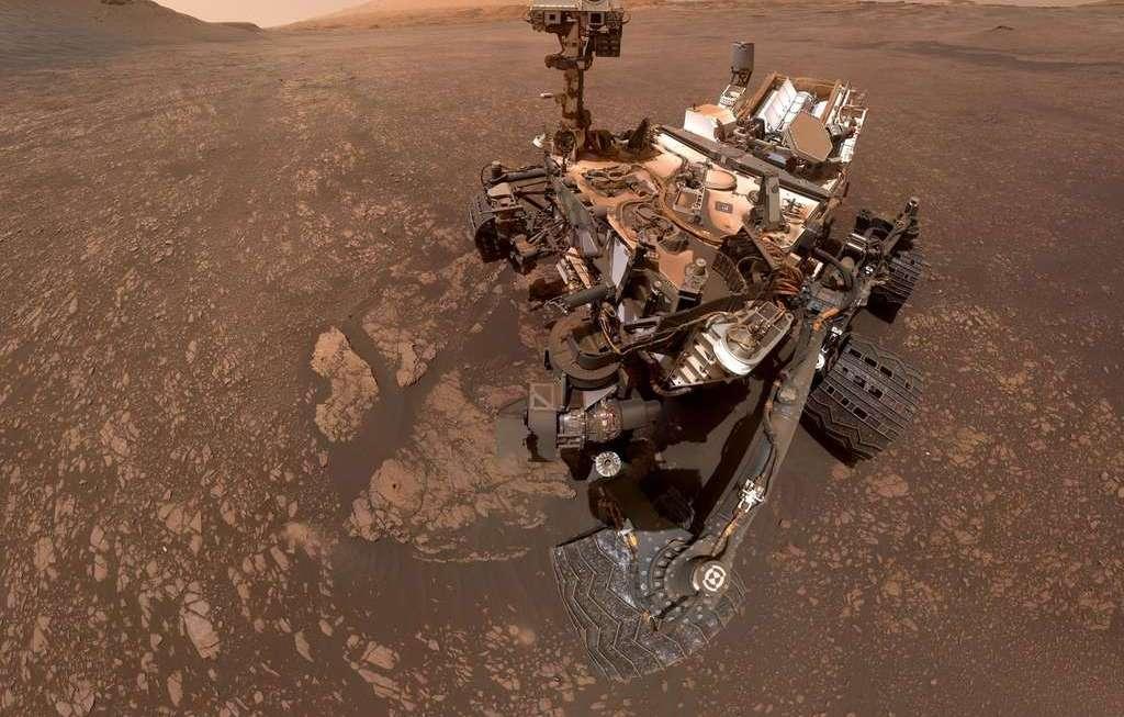 Kuriozitet : Shikoni Selfin E Ri Të Rover Curiosity Në Mars Dërguar Nga Nasa