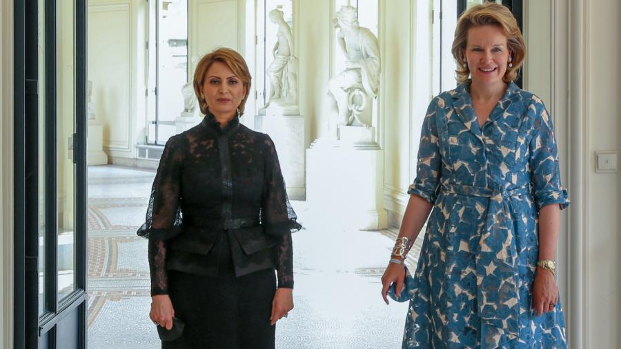 أوّل ظهور لحرم رئيس الجمهورية في زيارة رسمية خارجية (صور)