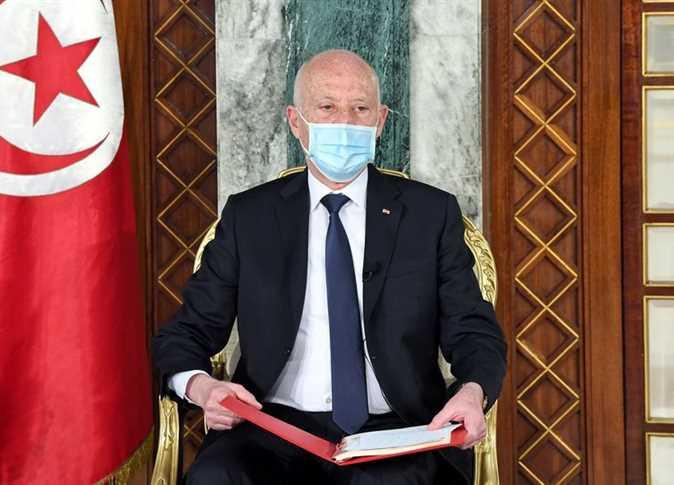 قيس سعيد: نحو إقصاء الأحزاب و السياسيين من صياغة دستور تونس الجديد؟