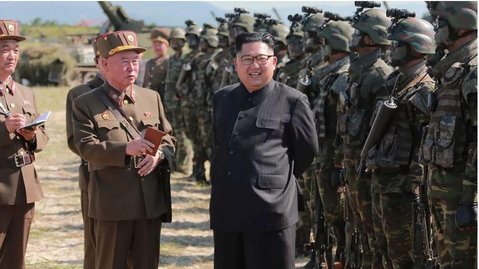 """كوريا الشمالية تطلق """"قذيفة مجهولة"""" نحو بحر اليابان"""