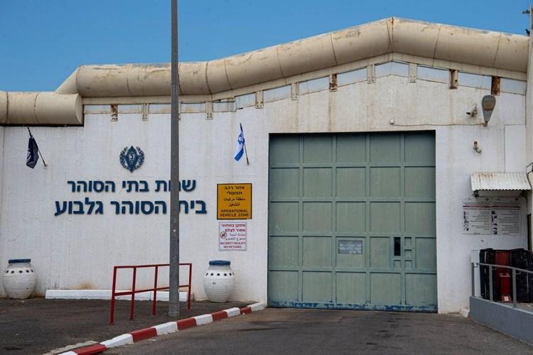 إعلام إسرائيلي: هروب الأسرى الـ6 يعكس سلسلة من الإخفاقات الخطيرة