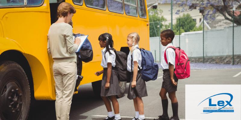 Atenção Motoristas de Veículos Escolares - Resolução 439 - Contran