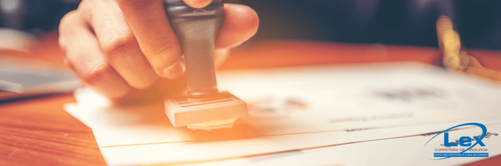 Qual a importância do seguro responsabilidade civil profissional para notários?