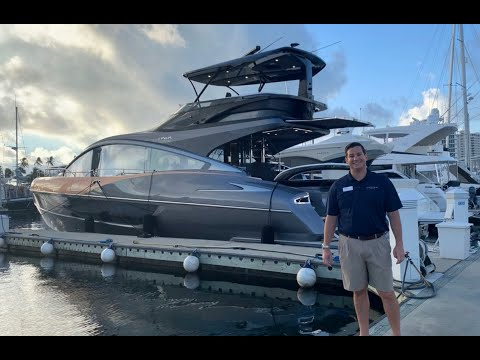 Lexus LY 650 Walkthrough by Tom George Yacht Group