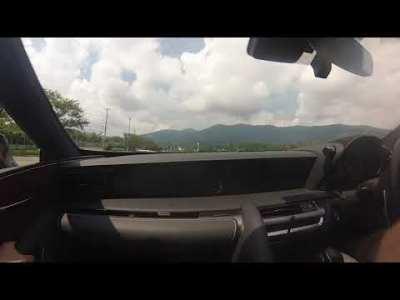 Lexus LC500 スラローム