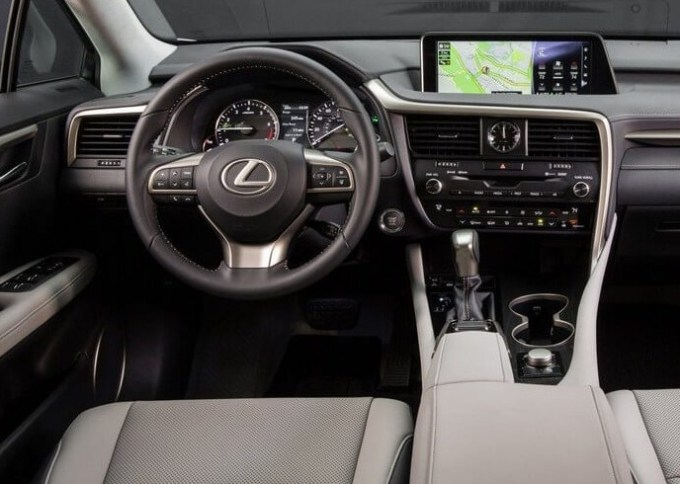 2020 Lexus ES Interior