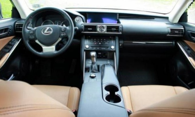 2019 Lexus IS350 F Sport Interior