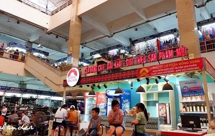 In Photos: The Cho Dong Xuan (Dong Xuan Market) in Hanoi, Vietnam