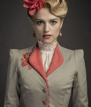 A picture of the character Lucy Westenra