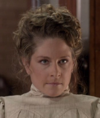 A picture of the character Pauline Kerr