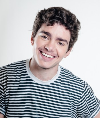 A picture of the actor Elliot Fletcher