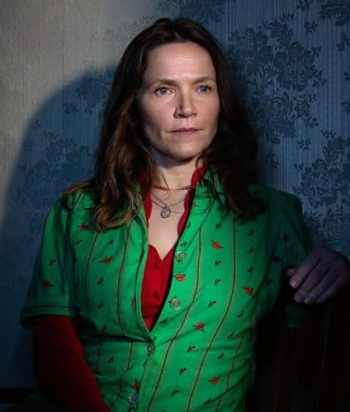 A picture of the character Edith Lyons - Years: 2019