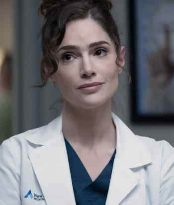 A picture of the character Lauren Bloom