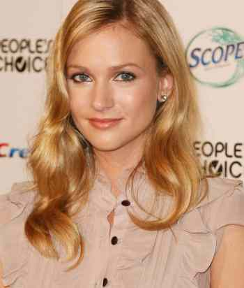 A picture of the actor A.J. Cook
