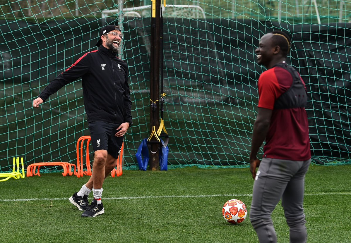Alex Oxlade-Chamberlain reacts to first session back with teammates