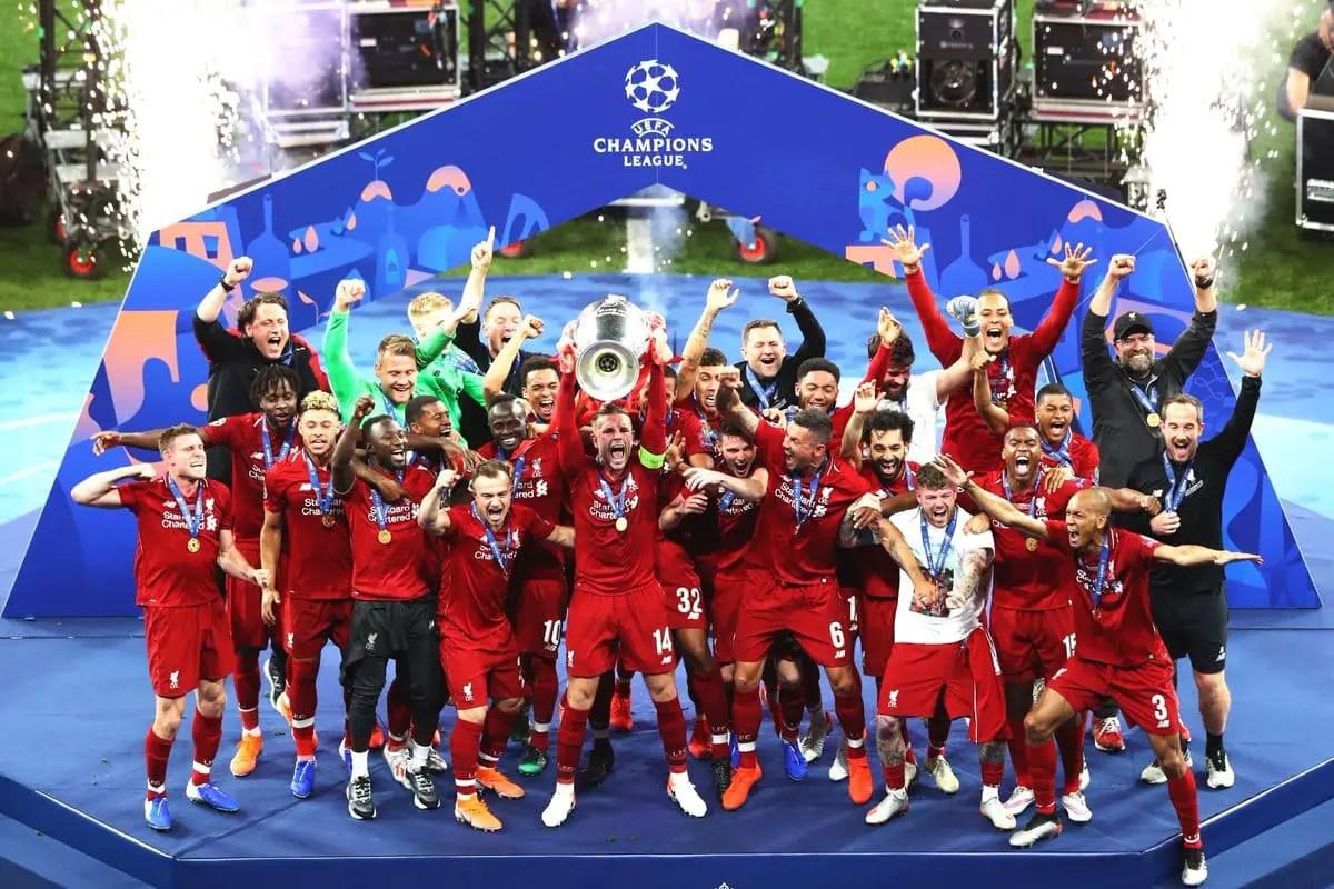 Liverpool's trophy celebrations as Henderson, Klopp & Milner share emotional embrace – Video