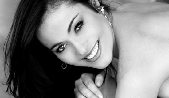 Miss Brasil 2004 é encontrada morta em casa